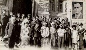 Girls' choir.