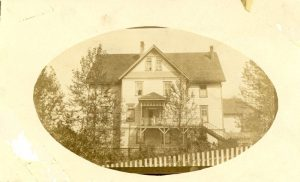 Crosby Girls' Home in a carte de visite.